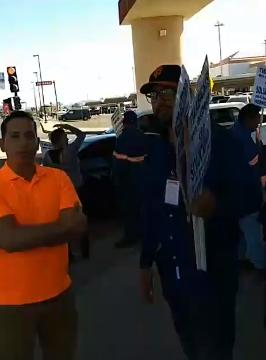 Ciudadanos participando y cuestionando el Movimiento, a favor de los Trabajadores adheridos al SUTSMH